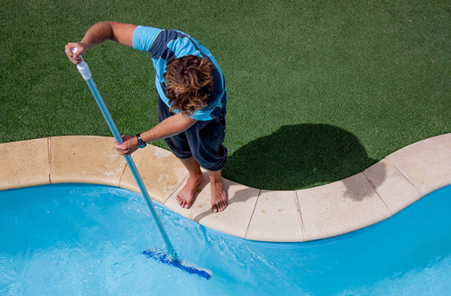 Hiring a Pool Removal Contractor – What Do You Do?