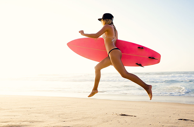 Ride Waves Like a Pro With California Surfing Lessons
